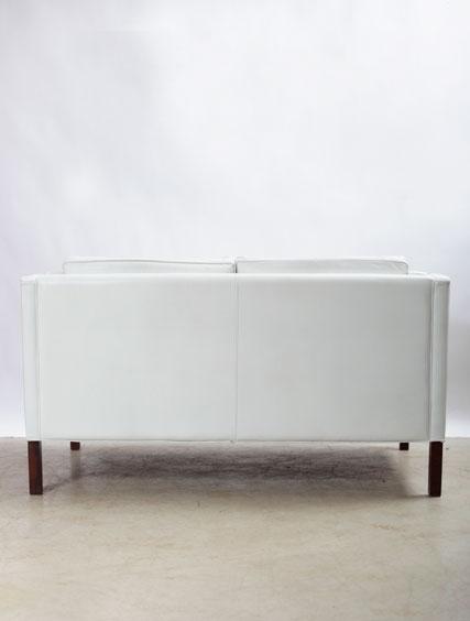 Borge Morgensen – Pair White Leather Settees