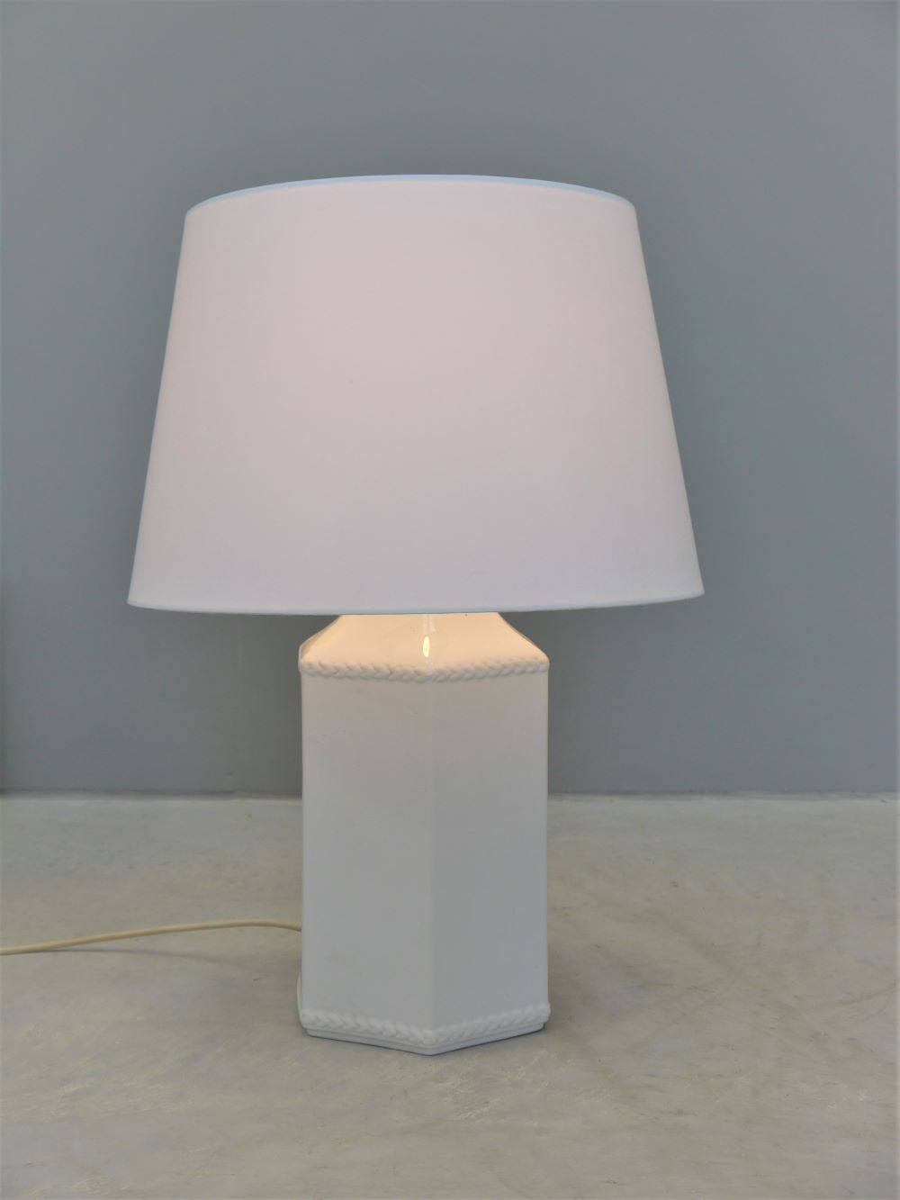 Spanish – Large Scale Ceramic Table Lamp