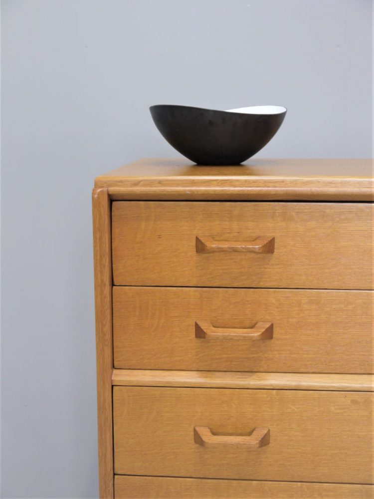 E Gomme – Five Drawer Chest in Oak
