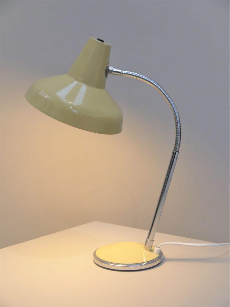 Modernist – Adjustable Desk Light