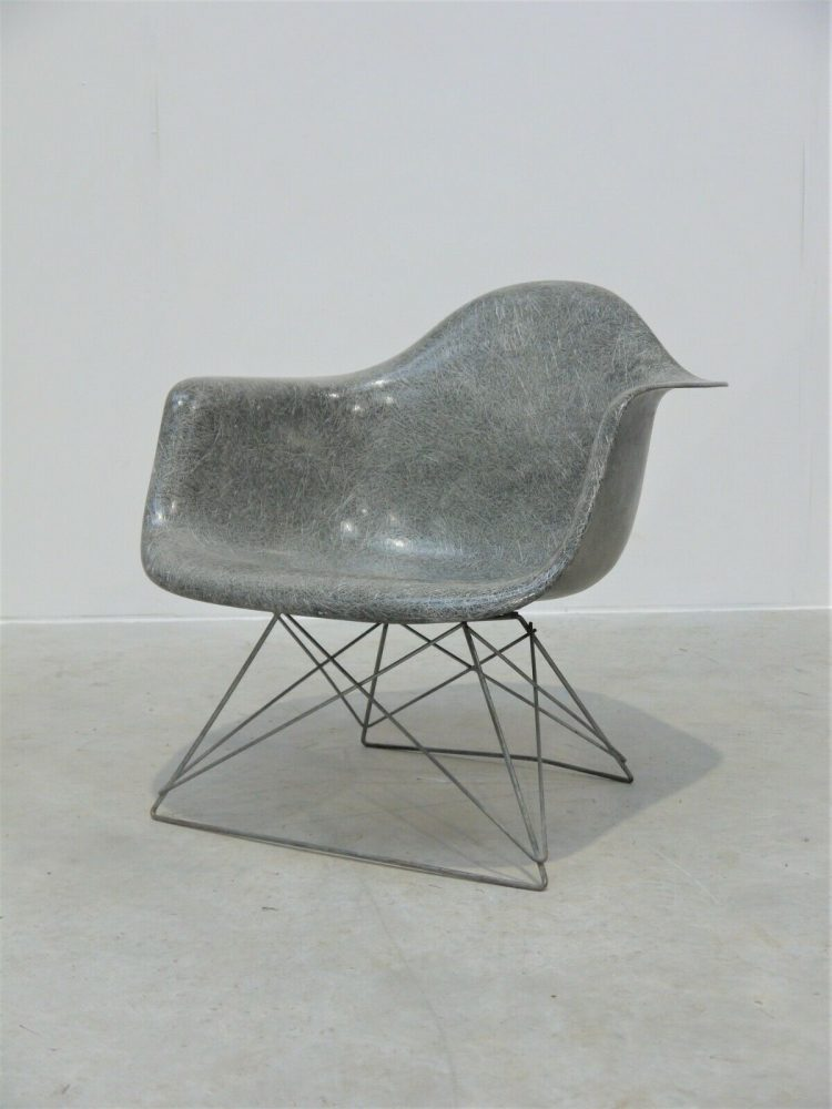 Charles and Ray Eames – Rare Venice Label Lounge LAR Chair