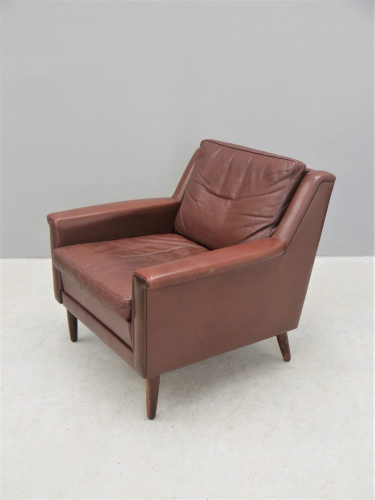 Skipper Mobler – Pair of Leather and Rosewood Lounge Chairs