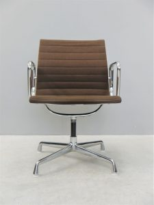 Charles and Ray Eames – Herman Miller EA108 Aluminum Group Chair