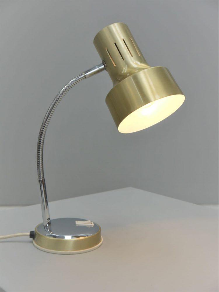 British – Goose Neck Mac Lamp