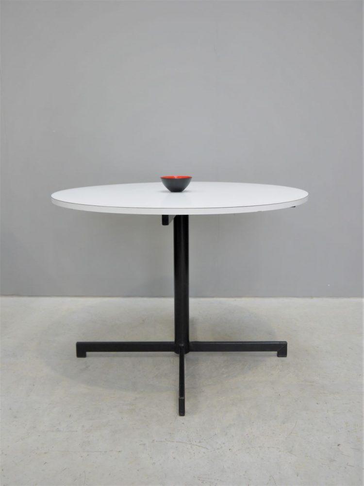 Kandya – Pedestal Dining Table